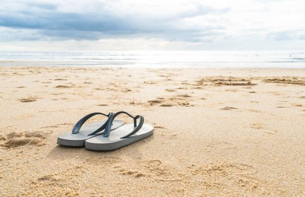 LA PELIGROSA MODA DE LAS CHANCLAS DE GOMA : Los podólogos advierten sobre su uso para el verano.